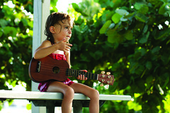 Playing the Uke (bonzer78) Tags: summer beach ukulele picnictable seagrapes