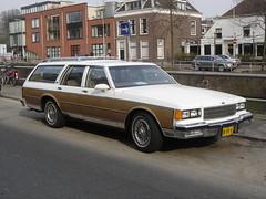 1986 Chevrolet Caprice Classic Wagon (harry_nl) Tags: netherlands utrecht nederland 2011 usspec 18jfk4 sidecode7