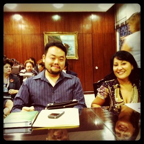 #blogueirosnoSenado e para mostrar que estou aqui (ao meu lado @Inagaki) e ao fundo @_claudiatavares e @virgalvez