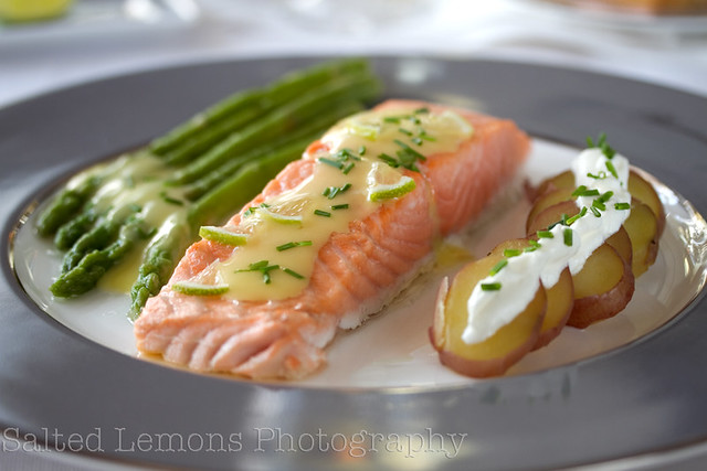 Salmon with green asparagus & spring potatoes