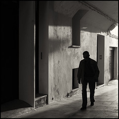 Morning walk (joanpetrus) Tags: light blackandwhite bw white black 6x6 square lumix mono flickr noiretblanc monotone bn panasonic explore squareformat pancake 20mm schwarzweiss 43 blancinegre virado 500x500 gf1 pancakelens bwd bwdreams leicalens incoloro monomania artlibre joanpetrus micro43 dmcgf1