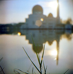 (alemershad) Tags: morning 120 6x6 tlr film analog mediumformat kodak bokeh mosque squareformat malaysia mf rays analogue manual yashica masjid puchong pagi selangor twinlensreflex lalang yashicamat124g filem closeupfilter iso160 alem kodakektacolor yashinon80mm vescan alemershad canonscan9000f