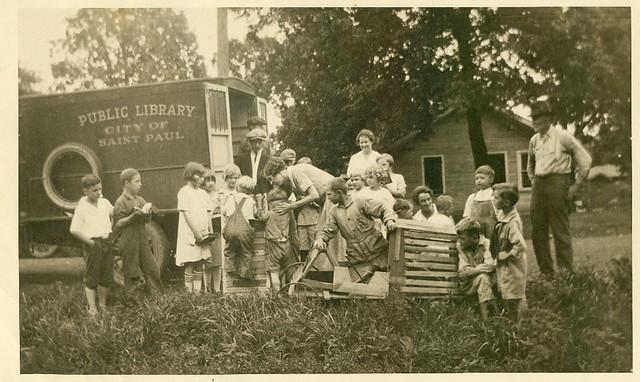bookmobile-1917-lg