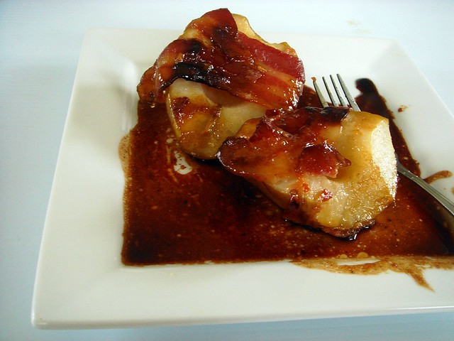 caramelized bacon wrapped pears