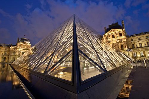 235/365 El Louvre tiene su encanto de noche