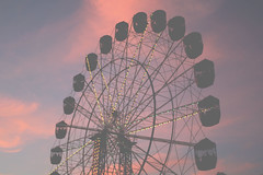 circle wheel (holly.) Tags: carnival blue sunset shadow sky contrast lights evening twilight purple dusk sydneyroyaleastershow thoughnotsoprominentandobvious wheelofathingo basketsofgoodies