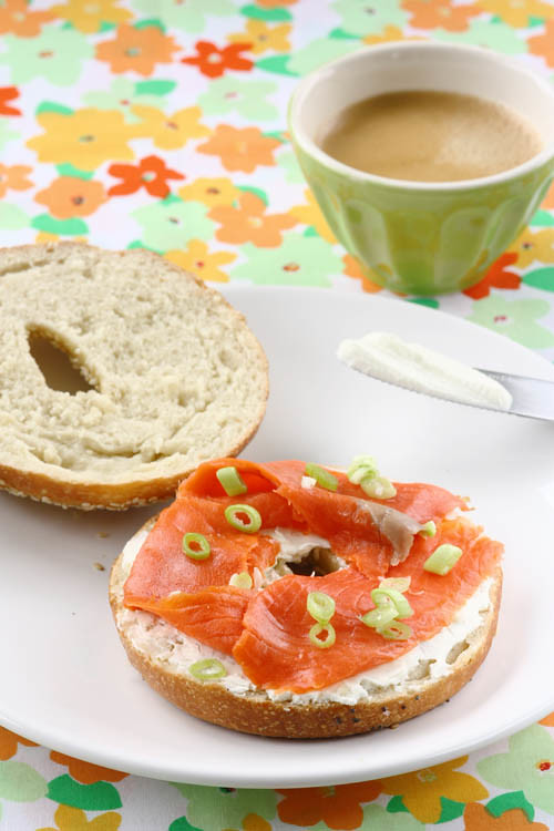 bagel with creamcheese and salmon