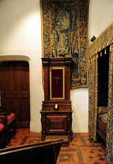Amboise - Chateau bedroom (ag&ph2010) Tags: france amboise leonardodivinci frenchchateaux chateaudamboise
