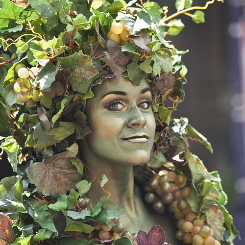 living vines performer