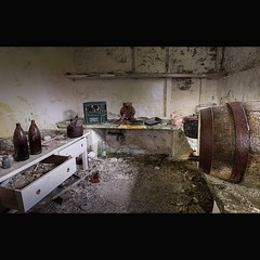 """ THE SCULLERY "" (Wiffsmiff23) Tags: abandoned beer pop corona beerbottles barrell urbex oldfarmhouse mincer secretlocation scullery"