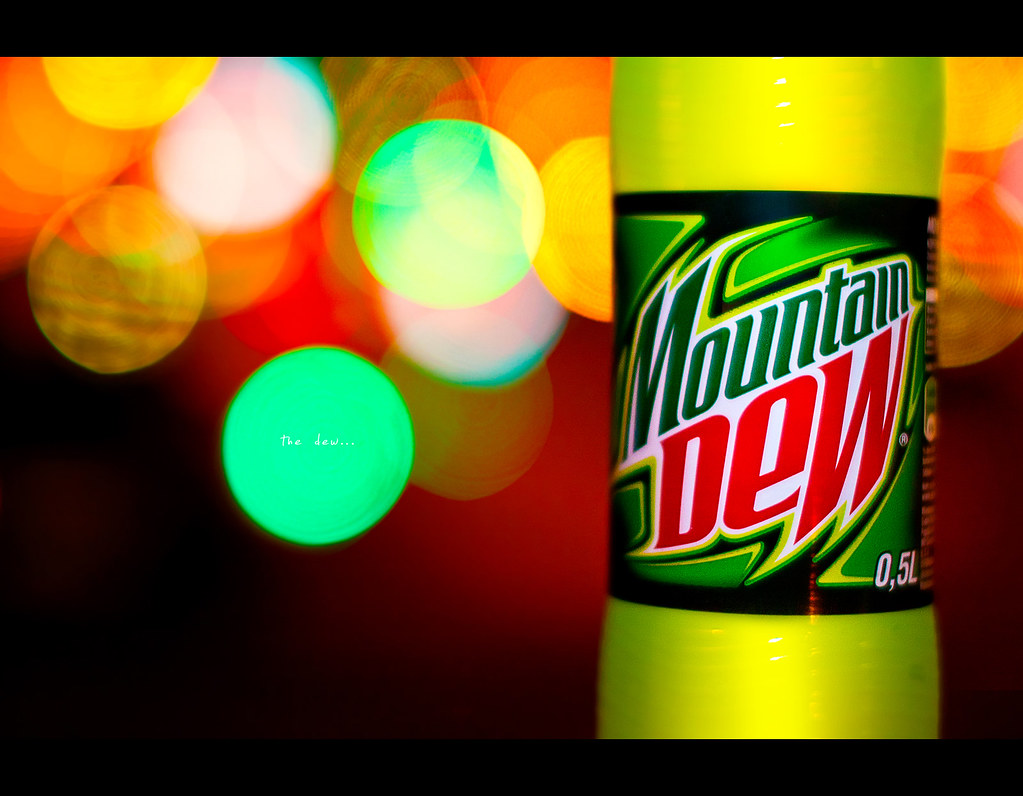 Project 365, Strobist, Bokeh, mountain dew, bokeh bubbles, bokeh balls, glow, colours, Sigma 50mm F1.4 EX DG HSM,