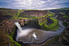 The Palouse Swirl (Aaron Eakin) Tags: water clouds river landscape waterfall washington stream canyon falls land swirl washtucna palouse palouseriver palousefalls