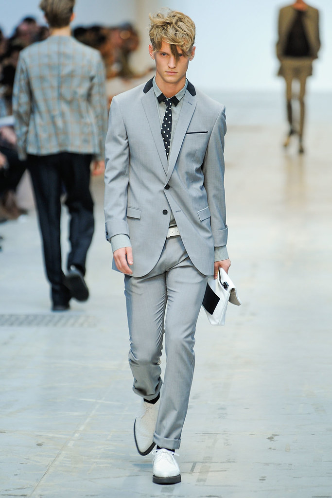 SS12 Milan Costume National Homme009_Alexander Johansson(VOGUEcom)