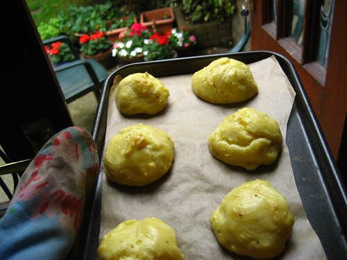 Puffed up cheese gougeres