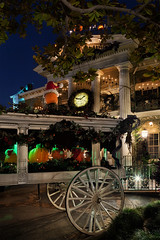 Time for Haunted Mansion Holiday Hearse (Gregg L Cooper) Tags: disney disneyland halloweentime hauntedmansionholiday nighthdr canon