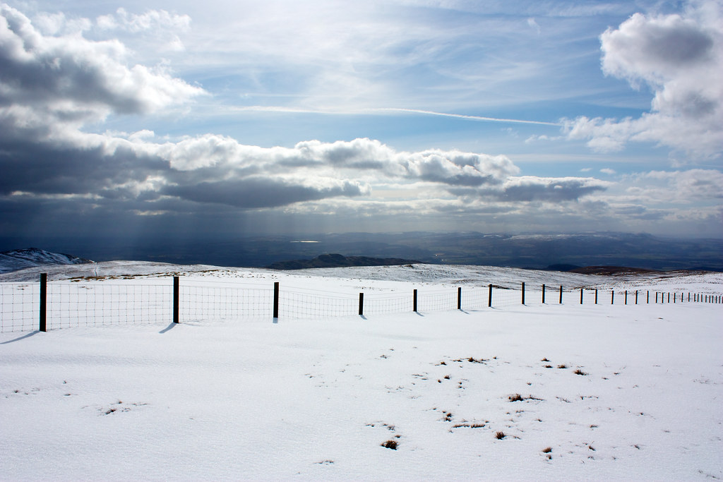 Towards Dumyat and Stirling