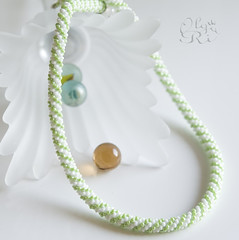 Зелено-белый жгут by olia_ri