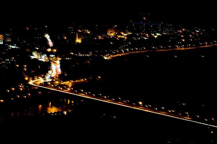 sanshia-night-scene