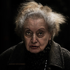 quien tuvo, retuvo (Cani Mancebo) Tags: old portrait woman women mayor retrato sigma anciana dragan 70200 seora cityart robado sigma70200mm 400d canoneos400ddigital canimancebo imageourtime sigma70200mmf28exdgapomacrohsmiicanon