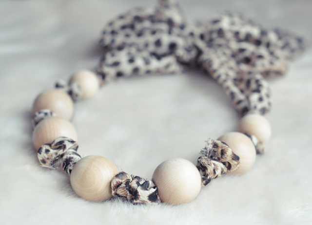 Leopard & Wood Bead Necklace DIY 8