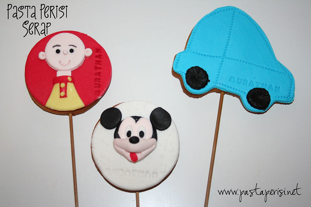 Mickey mouse -cars-caillou cookie