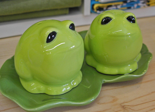 frog shakers