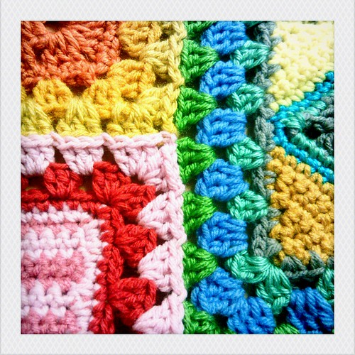 ... do: granny square tutorial part 5: joining squares of different sizes
