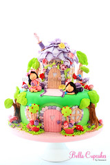 Fairyland (Bella Cupcakes (Vanessa Iti)) Tags: birthday butterflies birthdaycake fairies fairyland 1stbirthdaycake fairycake magicalmushrooms bellacupcakes wwwbellacupcakesconz