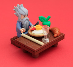 Breakfast at Hogwarts (Pedro Vezini) Tags: breakfast hair lego harrypotter brush hogwarts dumbledore