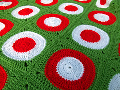 Retro Circle Throw Closer (Wool n Hook) Tags: circle square crochet retro blanket afghan throw haken croche tejer hkeln virka hkle ganchillo crochetblanket haakwerk hekle grannyblanket crochetthrow szydelkowac