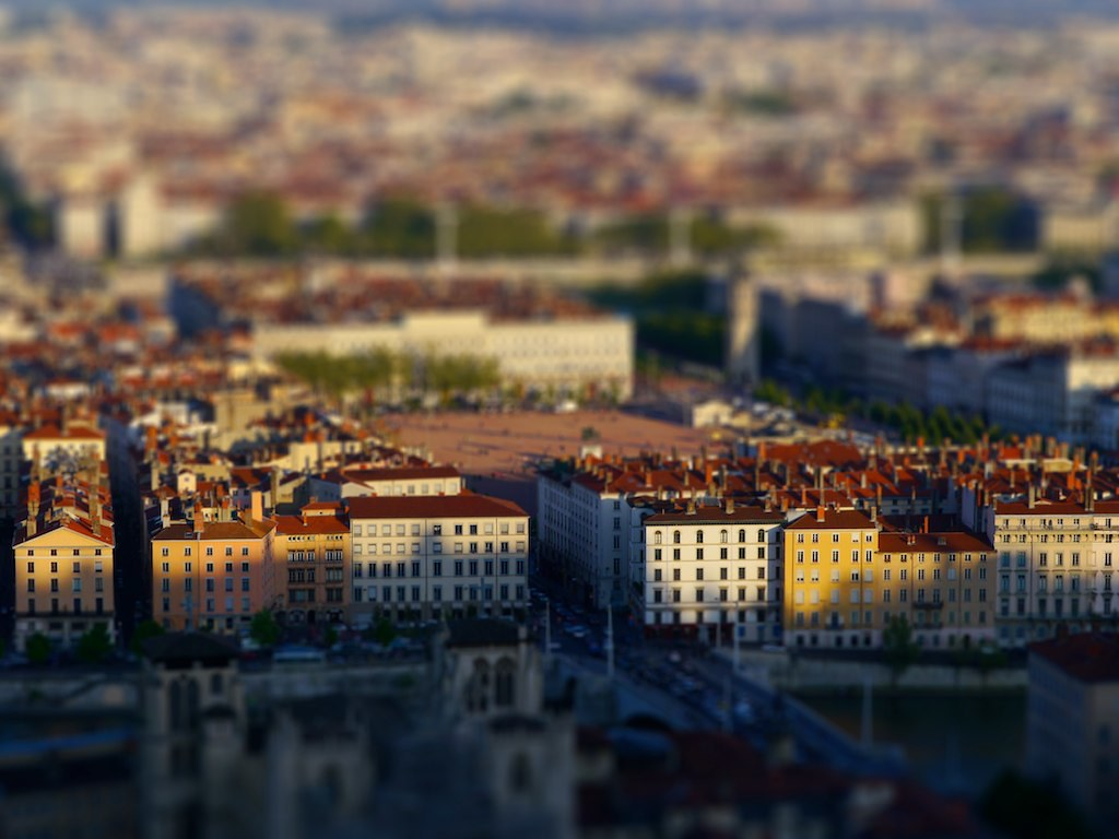 Lyon Bellecour Tilt Shift 5627300602_40fe5394c8_b