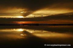 usa experience : golden sunset reflections (My Planet Experience) Tags: sunset usa west reflection america canon landscape island photography utah us photo nationalpark photographie unitedstates image pics indian scenic reflet american western antelope paysage parc indien oldwest amricain amrique tatsunis ouest wwwmyplanetexperiencecom myplanetexperience
