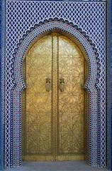 Porta do Mausoléu - Rabat (Pedro César André) Tags: africa luz andre pedro fez medina cor cultura rabat marrocos marroco