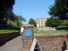 Photo of Peter Hennis blue plaque