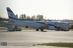 4X-EKF - 29638 - El Al Israel Airlines - Boeing 737-8HX - 100824 - Luton - Steven Gray - IMG_2171