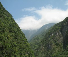 Clouds and Mountains (mcontento21) Tags: trees mountains clouds nationalpark asia taiwan marble tarokogorge earthasia