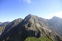 西穂-間ノ岳の岩場と吊り尾根