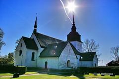 Vans Kyrka (carson_palmer) Tags: church cemetary kapell kor kyrka srmland strngns kyrkogrd sdermanland prst landsbygd dopfunt gravar kyrktorn vans