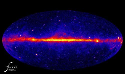 El cielo en rayos gamma por Fermi