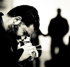 telepatia..... (jojofotografia) Tags: old trip travel people blackandwhite bw france beautiful smile self reflex interestingness interesting eyes nikon child d aixenprovence bn persone explore photograph fotografia melvin gita holliday 700 amici francia vacanza biancoenero giro aix fotografo amico formato vecchia allpeople flickritis interestingnes pozzetto explored pentacom ripresa flickerista d700 nikond700 melmif