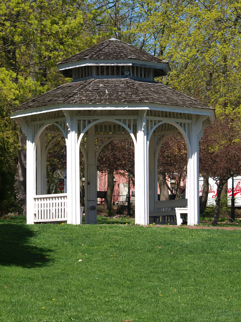 Gazebo at Pawtuxet Cove