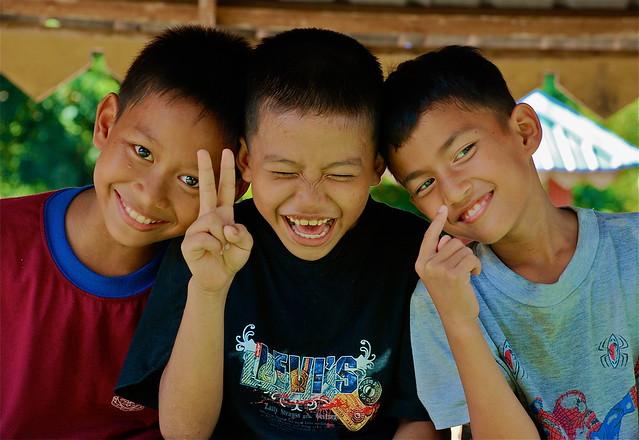 Malaysia - Kampung Belimbing - 3 little kids