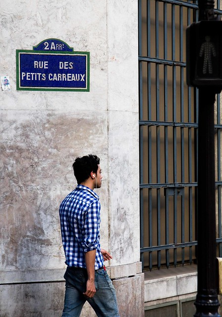 Rue des petits carreaux, par Franck Vervial