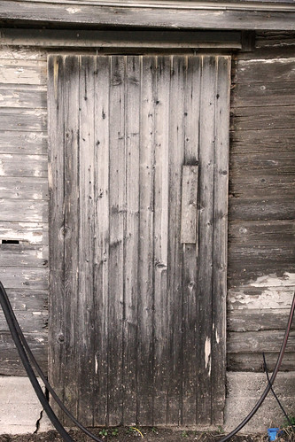 smallbarn_door