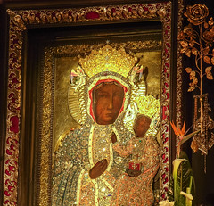 Black Madonna of Czestochowa (Frans.Sellies (off for a while)) Tags: germany deutschland madonna poland polska holy polen tyskland allemagne polonia duitsland pologne  blackmadonna    czstochowa  puola lenkija almanya lengyelorszg niemcy  poola poljska polija   czarnamadonna matkaboska          matkaboskaczstochowska   rimg0329