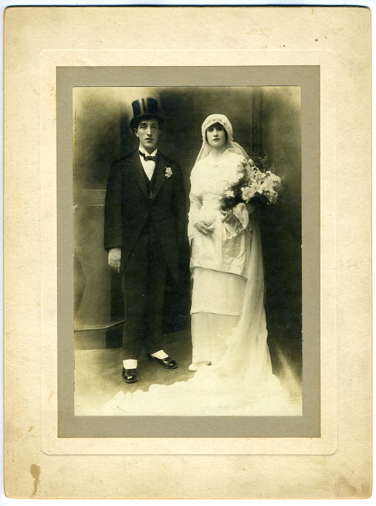 1920's wedding photo too good to resist