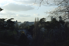 Parc des Buttes-Chaumont, Paris (rien nothing) Tags: park paris france film europe kodak analogue iledefrance parc 400iso portra400 parcdesbutteschaumont 19me