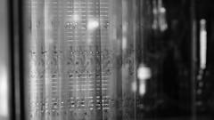 recuerdo.en.descomposicin (3) (Antonio Prez .) Tags: destello beam blink bw casa home brillo sheen brillance ornamentation reflejo reflection blancoynegro monocromo monocromtico monochrome monochromatic luzinterior interior light mono black white blackandwhite fujifilm x20