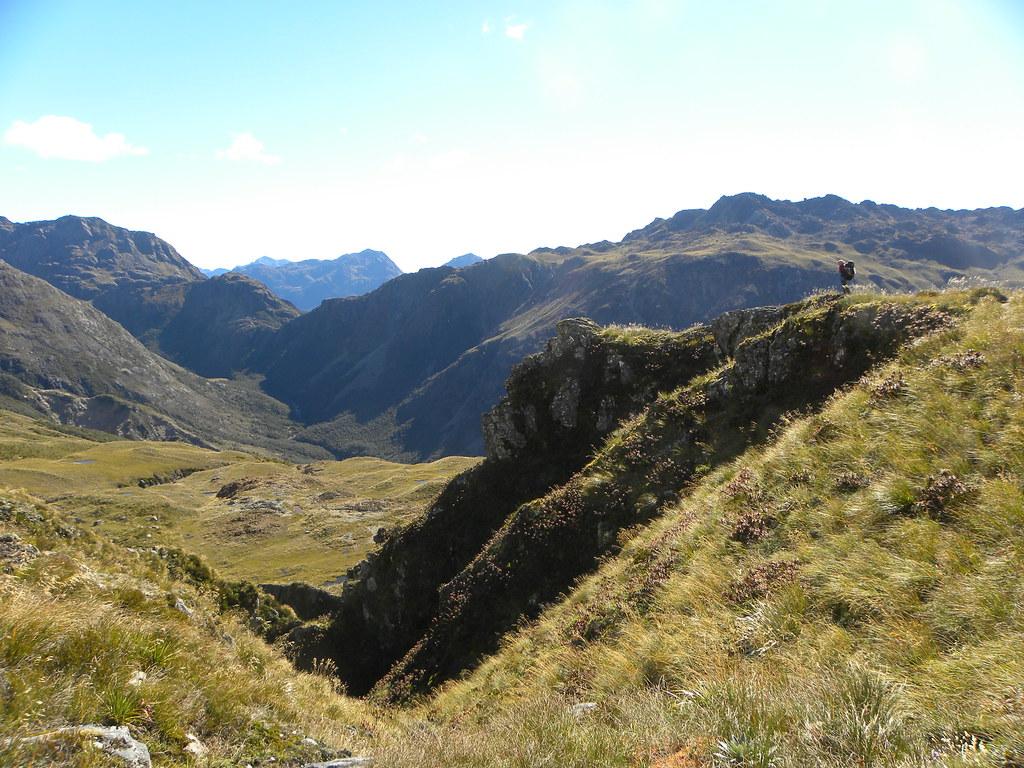 Descending to the Olivine Ledge from Fohn Lakes