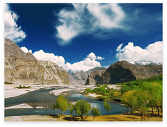 skardu, PAKISTAN (TARIQ HAMEED SULEMANI) Tags: autumn pakistan mountains tourism nature colors trekking goal hiking north peaks tariq skardu khaplu concordians hushay sulrmani daghoti